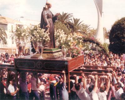 San Pedro trono