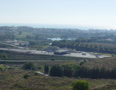 Las Medranas y autopista de peaje